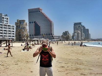 arbuzy na plaży w Tel-Awiwie