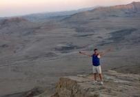 przed zachodem słońca na pustyni Negew