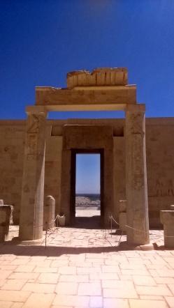 światynia królowej Hatszepsut - brama