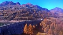 alpejskie doliny w jesiennych kolorach, Alpy Bergamskie