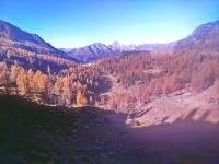alpejska dolina w Alpach Bergamskich