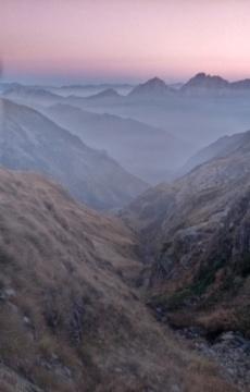 zachód słońca nad rifugio Tagliaferri, Alpy Bergamskie