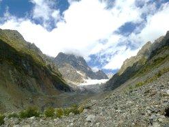 alpejska dolina w Swanetii, Gruzja