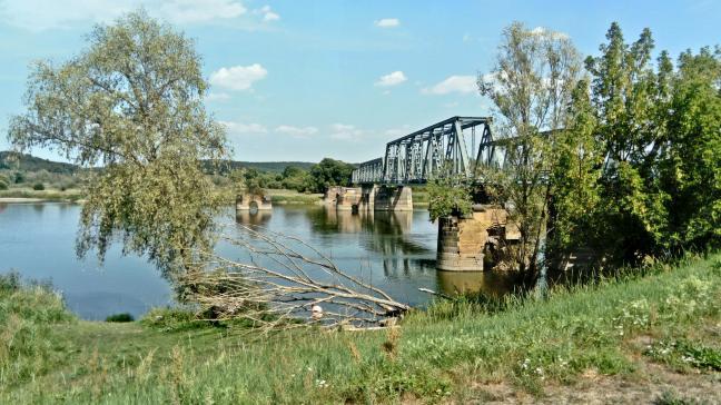 opuszczony most kolejowy na Odrze