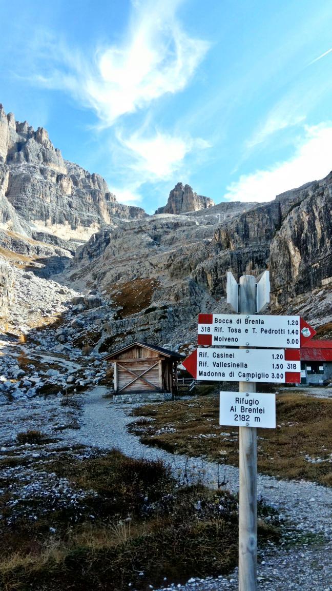widok z rifugio di Brentei na Cima di Molveno