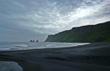 Reynisjara - czarna plaża przy Vik
