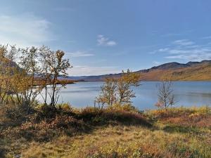 jezioro przed Abiskojaure