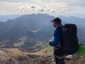 Cezarkos patrzy w dolomickie doliny