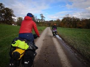 rowerem przez nieliczne pola i lasy Szwajcarii