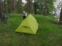 zielony biwak nad jeziorem Dobskim