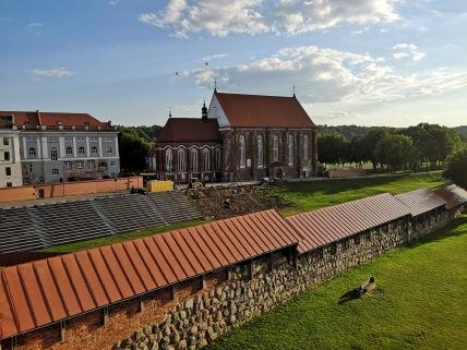 Kowno, mury zamkowe i katedra