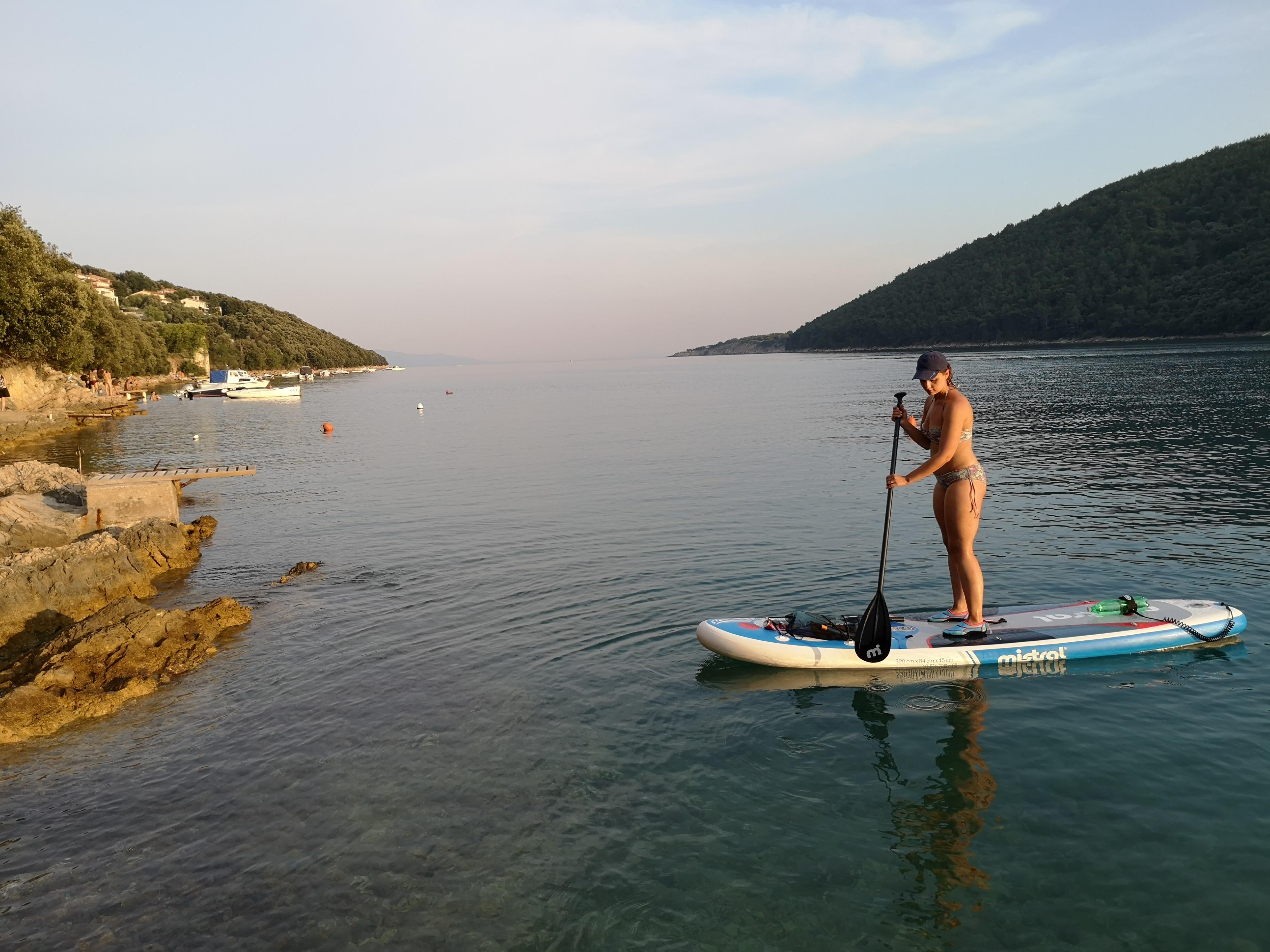 SUPing przy plaży Portlog w Istrii