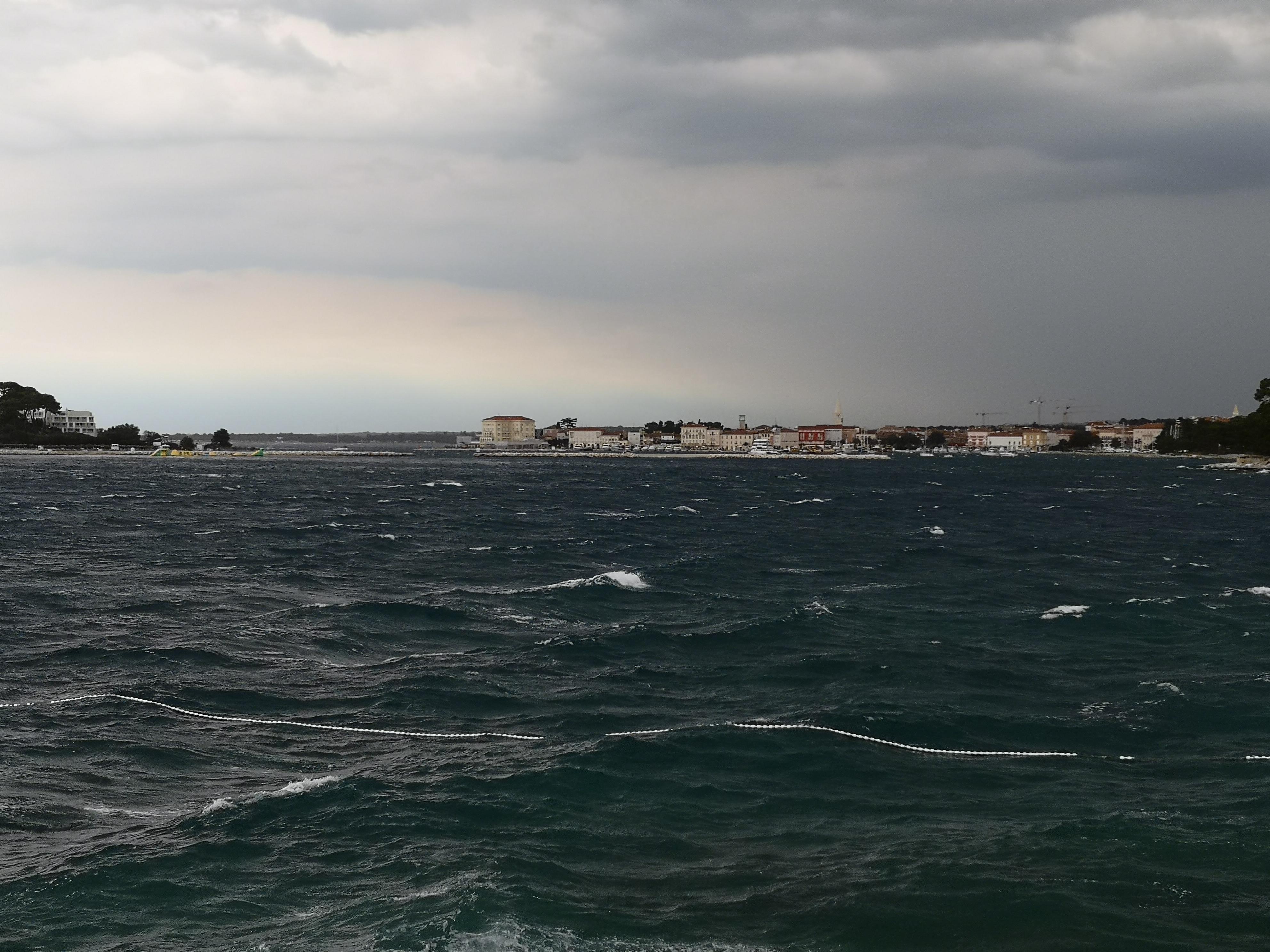 burza i mały sztorm przy Porecu