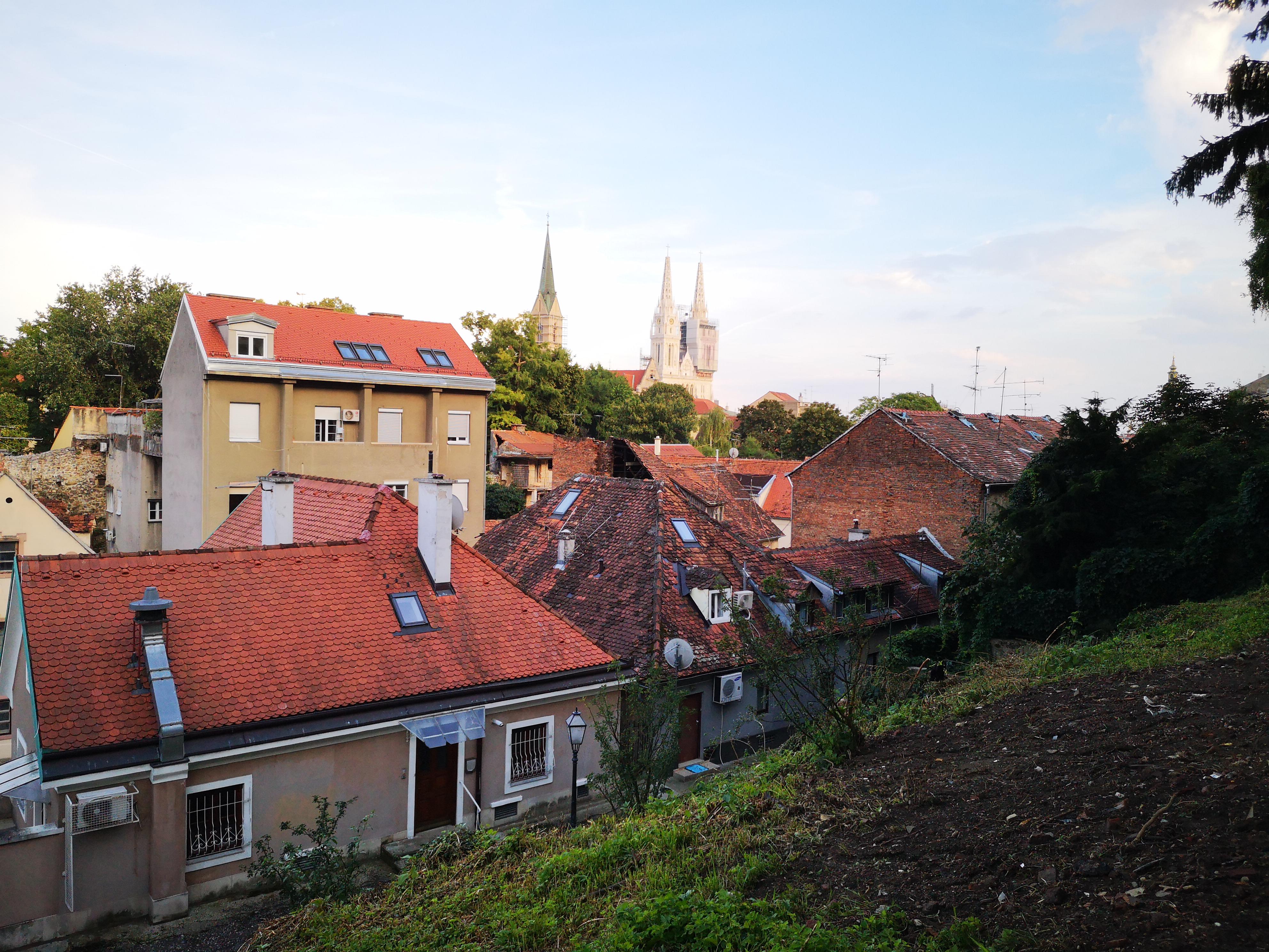 czerwone dachy Górnego Miasta chorwackiej stolicy