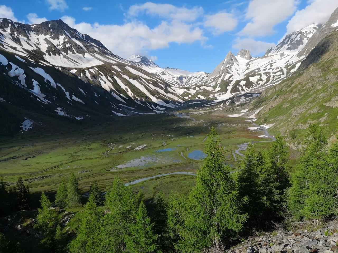 dolina przy rifugio di Combal