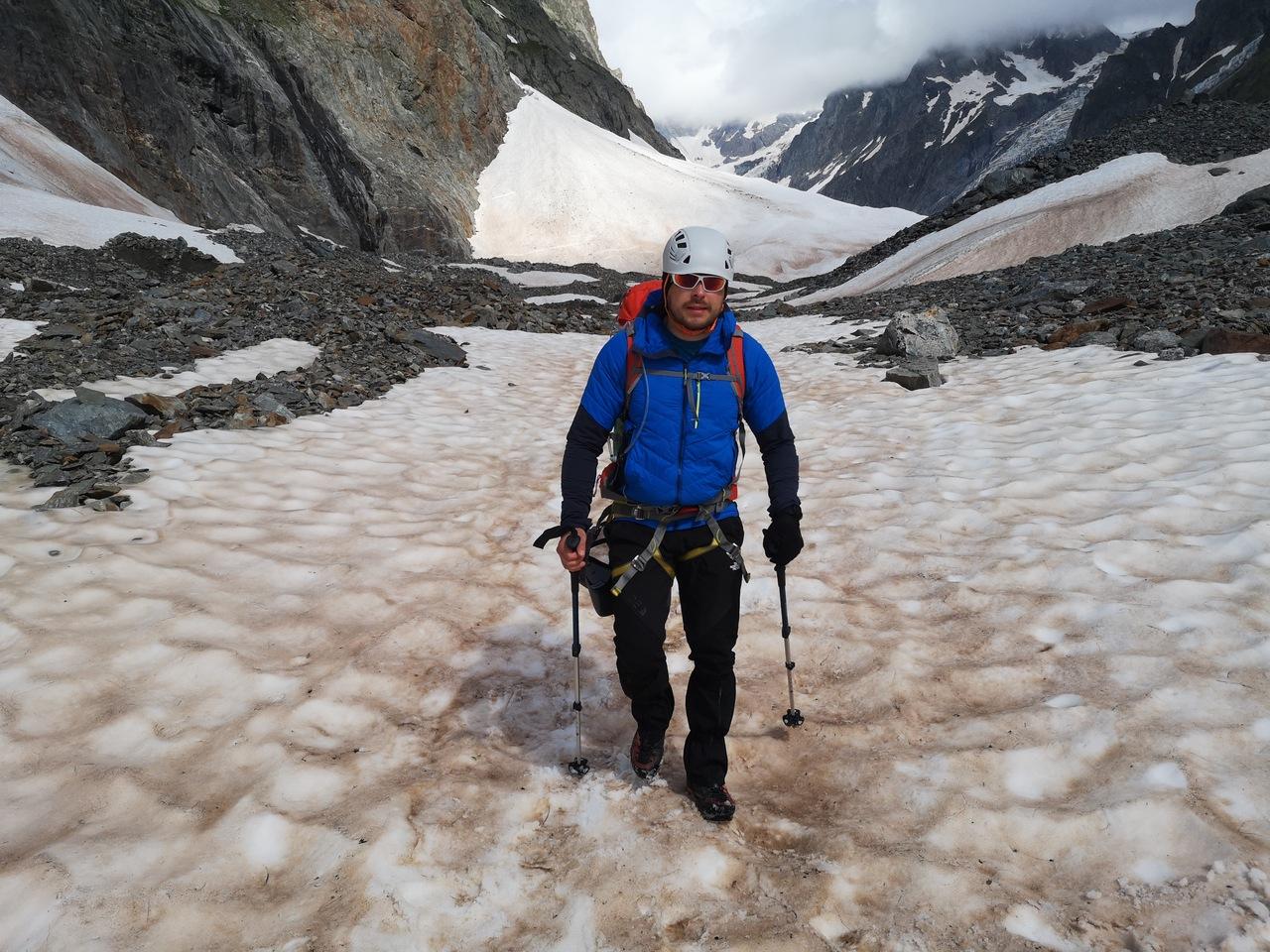 spacerowanie lodowcem w południe