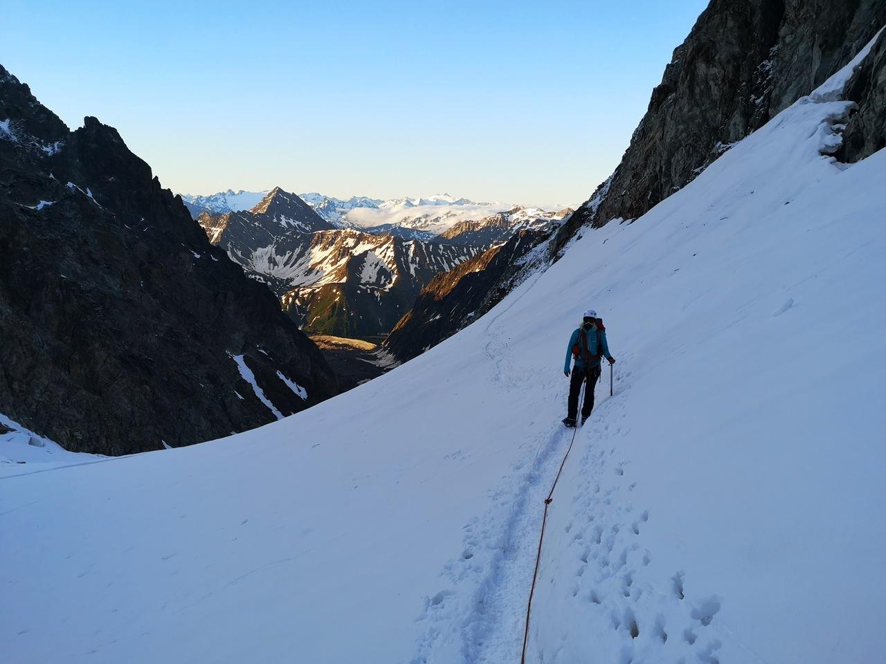 pierszwe kroki o świcie na górnym lodowcu