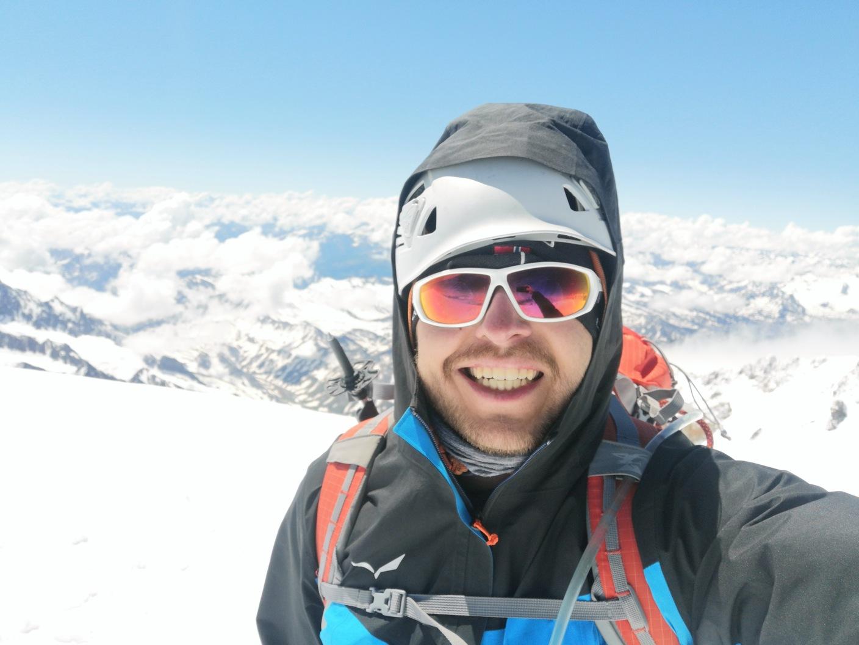 radość z wejścia na szczyt