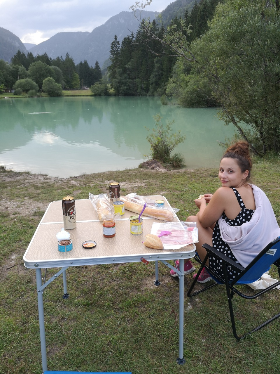 kolacja nad jeziorkiem Kreda