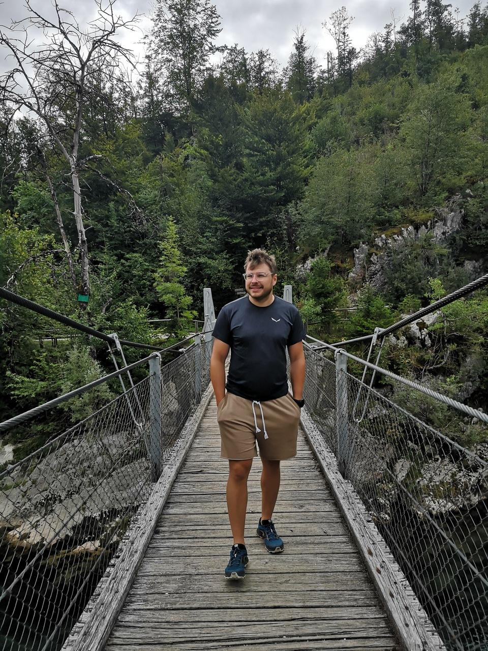 mostek nad rzeką Sava Bohinjska przy Nomenj
