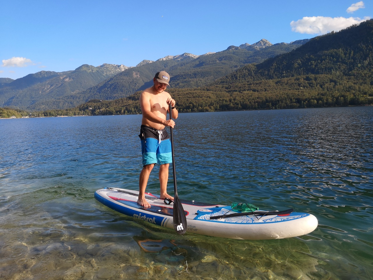 SUP nad jeziorem Bohinj